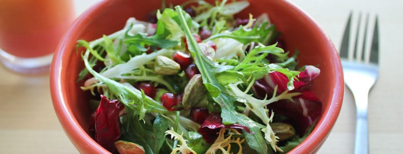 Salade, grenade et pistaches
