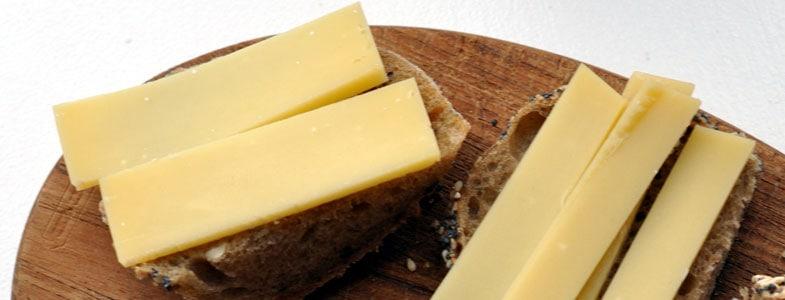 Tartine de pain de campagne et comté