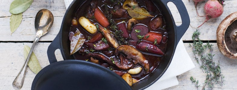 recette-vegetarienne-marmite-betteraves-champignons-facon-bourguignon
