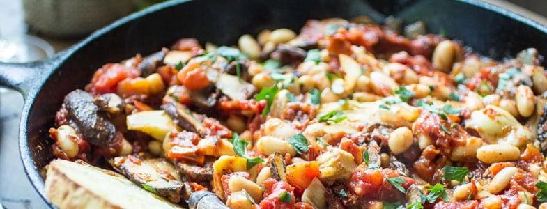 recette-vegetarienne-poelee-haricots-blancs-artichauts-champignons