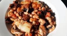 Poêlée aux haricots blancs, artichauts et champignons