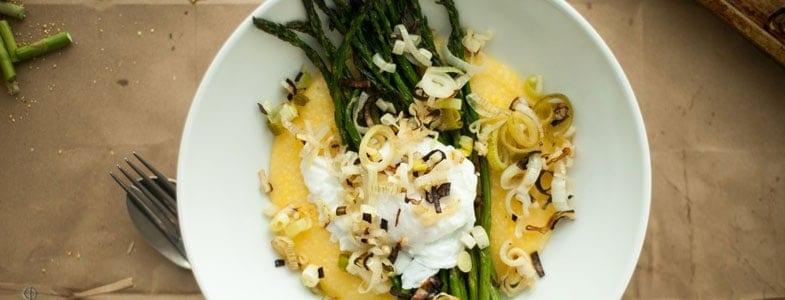 recette-vegetarienne-polenta-asperges-oeuf-poche