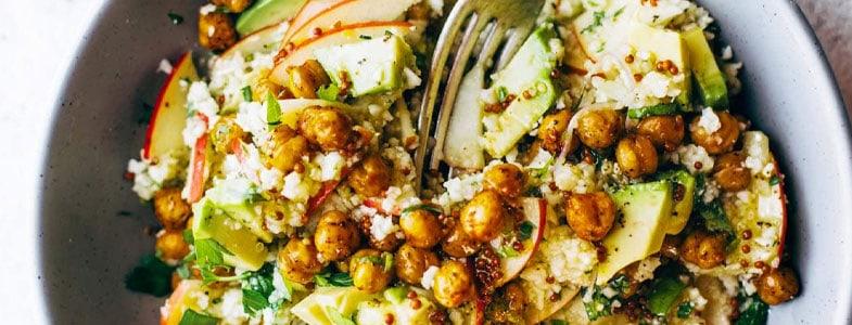 recette-vegetarienne-couscous-chou-fleur-pois-chiches-avocat