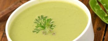 recette-vegetarienne-veloute-cosses-petits-pois