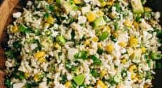 Salade d'avocat, maïs et riz