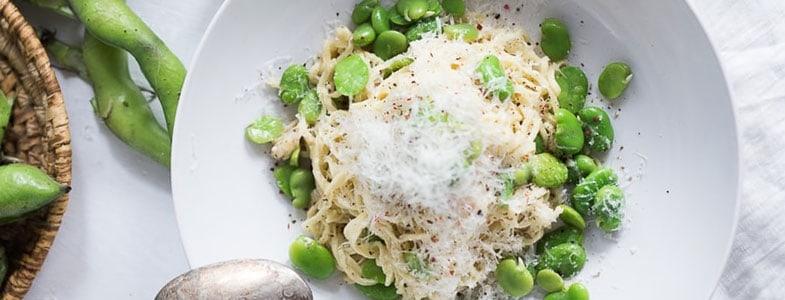 Spaghettis cacio e pepe aux fèves