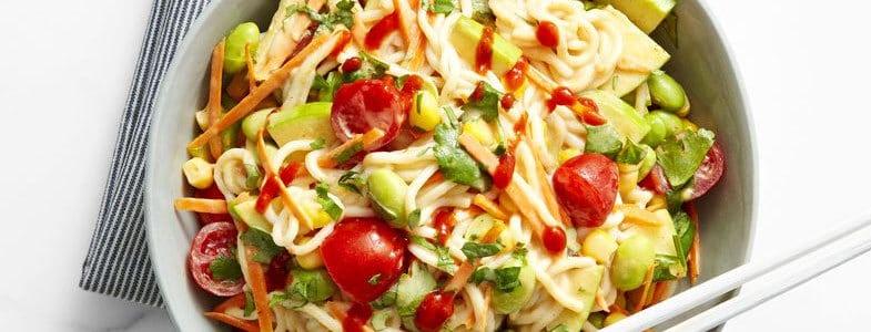 recette-vegetarienne-nouilles-riz-legumes-beurre-cacahuetes