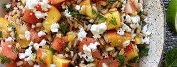recette-vegetarienne-salade-epeautre-pasteque-peche