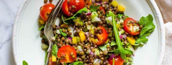 Salade de lentilles et légumes d'été