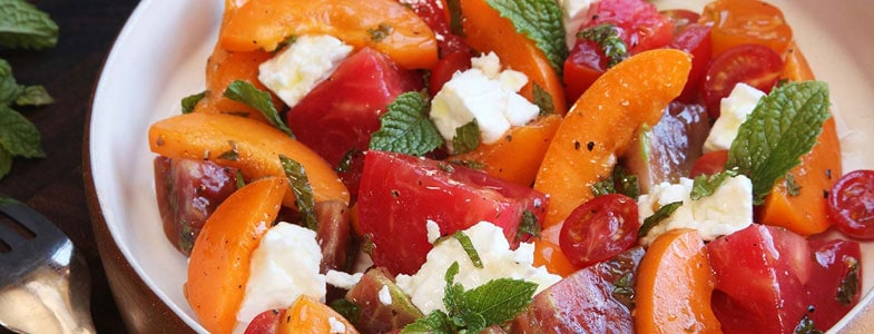 recette-vegetarienne-salade-tomates-abricots
