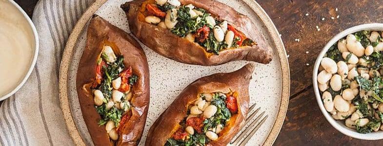 Patates douces farcies aux épinards et haricots blancs