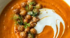 Soupe marocaine et pois chiches croustillants