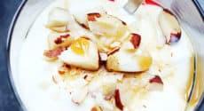 Yaourt aux noix du brésil et coulis de fruits rouges