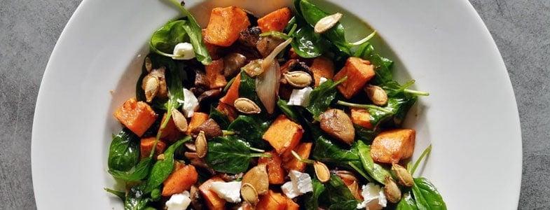 Salade de légumes rôtis et graines de courge