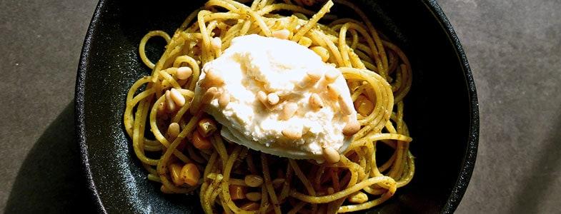 recette-vegetarienne-pates-pesto-burrata