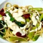 recette-vegetarienne-spaghettis-asperges-tomates