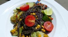 Nouilles de riz et légumes au pesto de coriandre