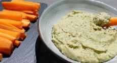 Houmous de fanes de carottes