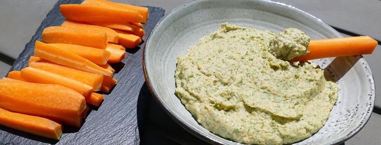 recette-vegetarienne-houmous-fanes-carottes