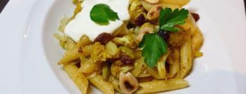 recette-vegetarienne-penne-chou-fleur-roti-curry