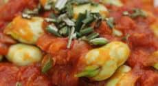 Fèves, tomates et coriandre