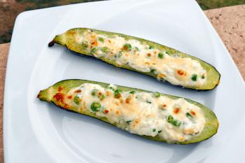 recette-vegetarienne-courgettes-farcies-ricotta-petits-pois
