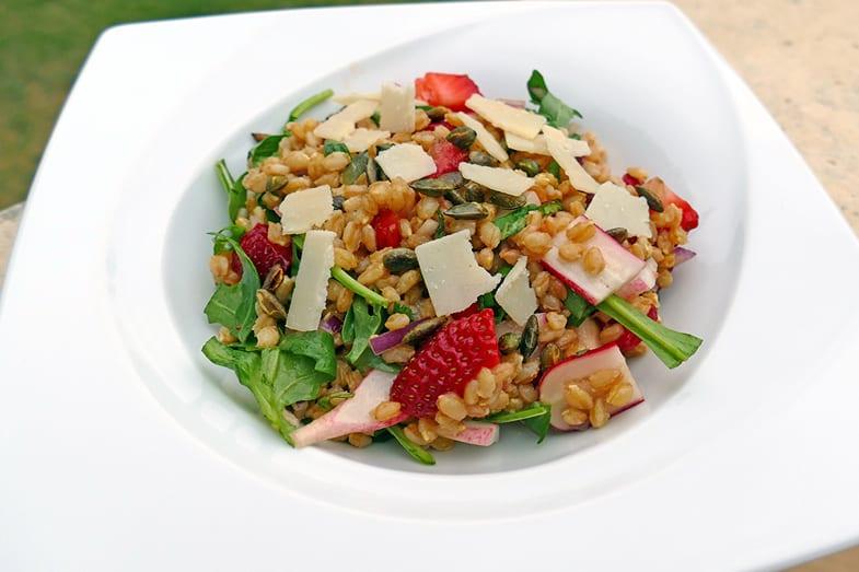 recette-vegetarienne-petit-epeautre-fraises