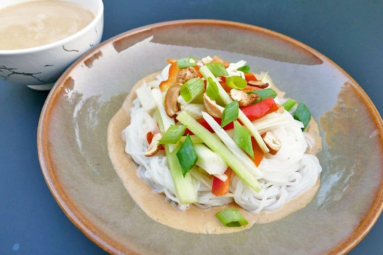recette-vegetarienne-nouilles-riz-legumes-croquants